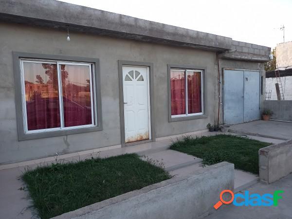 Casa a la venta 2 dorm, en barrio con seguridad villa esquiu