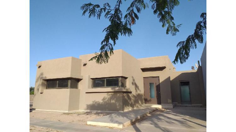 Casa 3 dormitorios / barrio rincón de drummond / lujan de