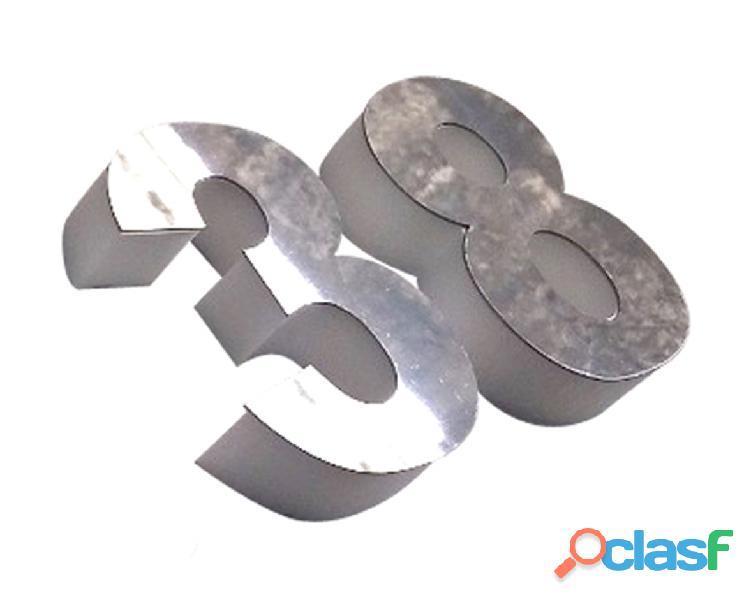 Números de acero inoxidable para casas en Callao Valentín Alsina 12