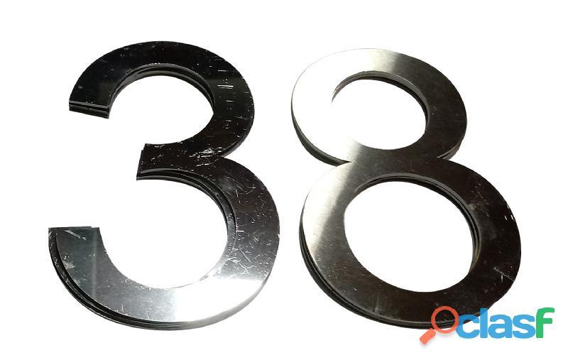 Números de acero inoxidable para casas en Callao Valentín Alsina 13