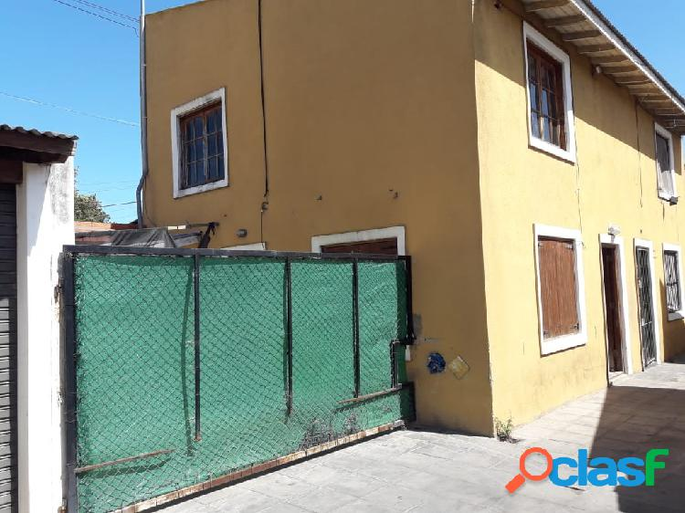 Ph 3 amb. al frente, con cochera - zona barrio las lilas
