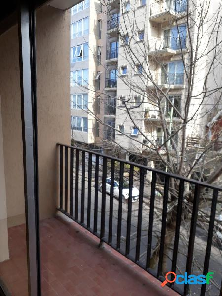 Depto 2 amb c balcon a la calle en venta