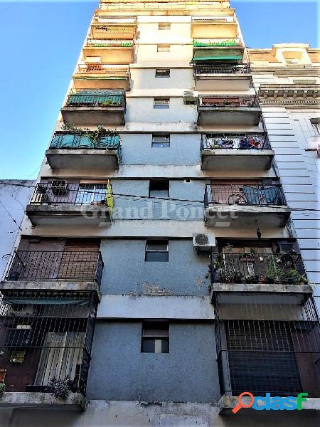 Departamento 2 ambientes con balcón francés