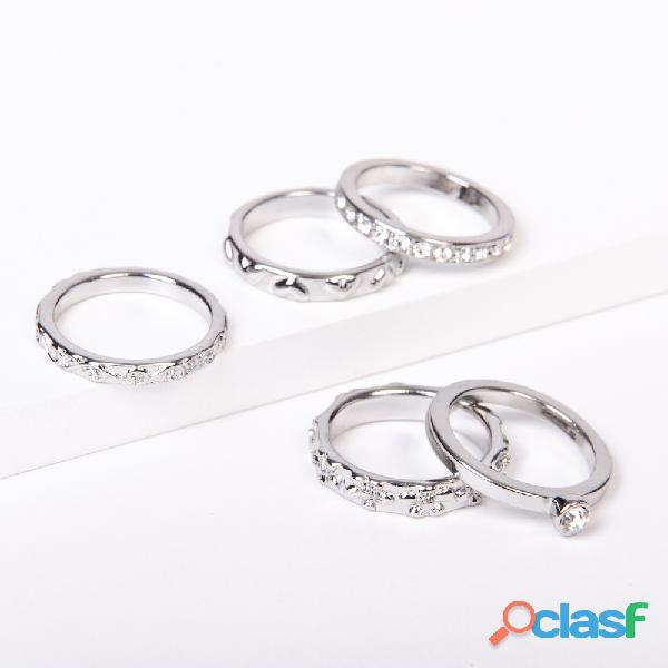 Set de 5 anillos plateados de Rodio y Strass Talles s y M. Nuevo Con Etiqueta
