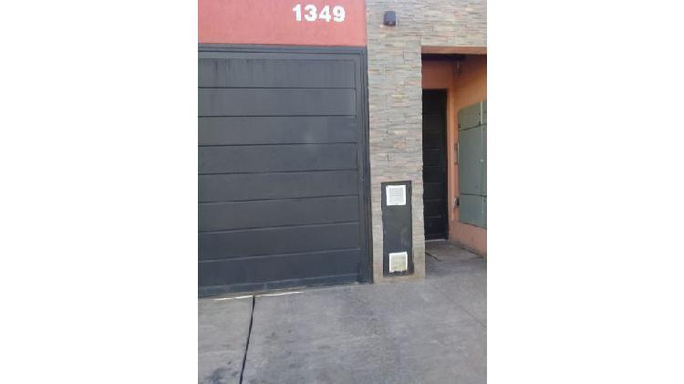 Inmobiliaria alquila dpto 1 dormitorio en p. baja con