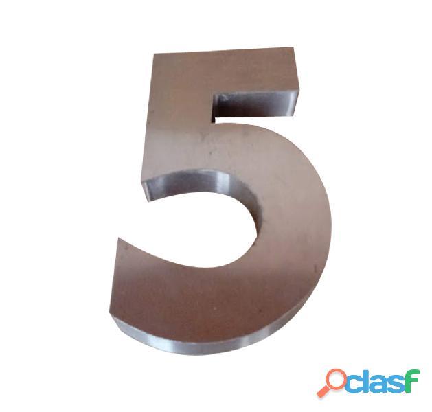 Números y letras de acero inoxidable en Temperley 1