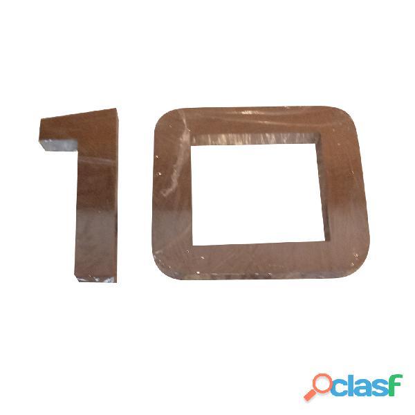 Números y letras de acero inoxidable en Temperley 8