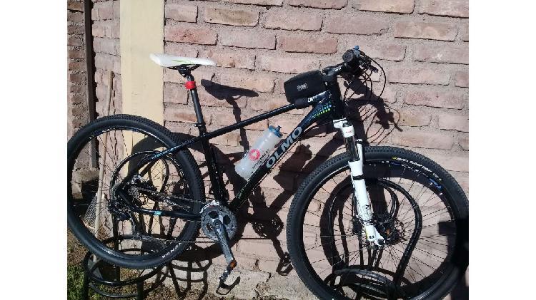 Bicicleta raven r 29 con equip. deore y disco hidr.
