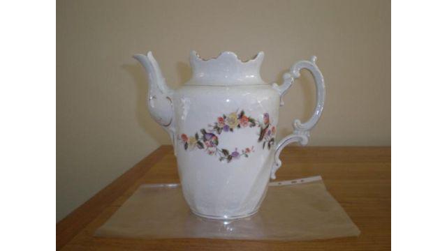 Jarra porcelana inglesa dos litros numerada muy buen estado