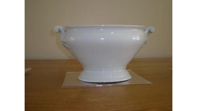 Sopera Porcelana Inglesa Color Blanco De 1 Galón Con Asas