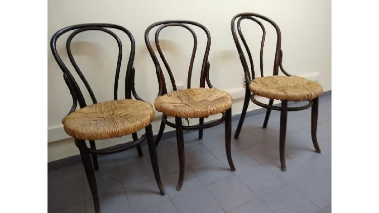 3 sillas de viena, lustre oscuro tapizadas en totora. el