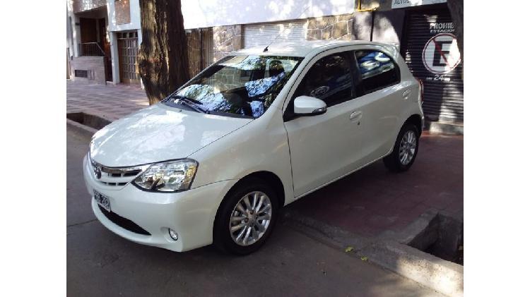 Toyota etios xls 2015 nuevo permuto financio