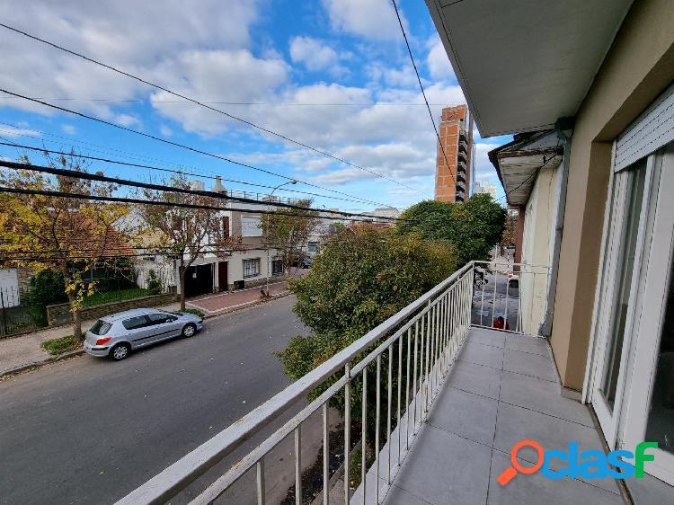 Ph de 3 ambientes con patio y balcón. reciclado. zona san josé.