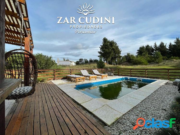 Venta costa esmeralda casa con piscina 4 ambientes