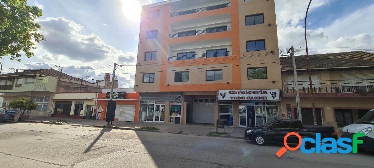 Edificio en pleno avenida chaves