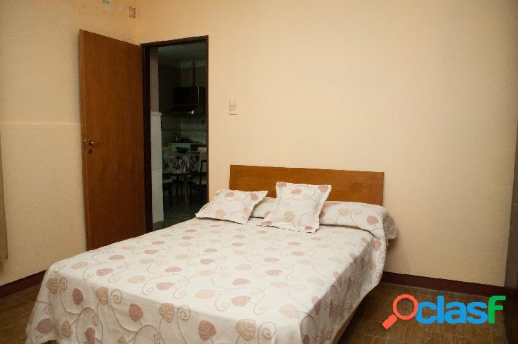Venta Casa 2 Dormitorios Patio y Cochera Zona Plaza Saenz Peña 2