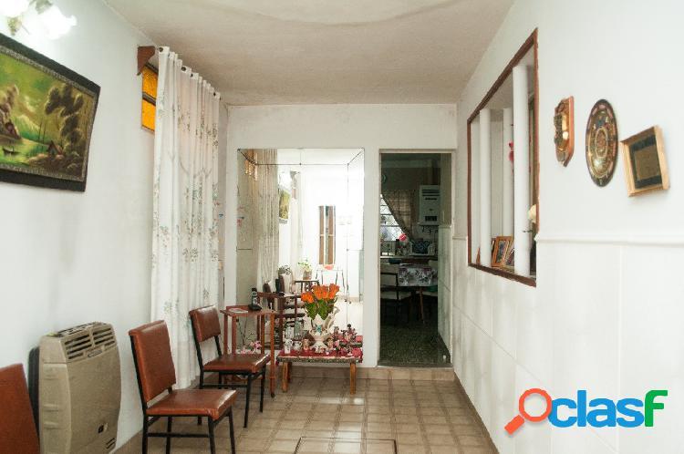 Venta Casa 2 Dormitorios Patio y Cochera Zona Plaza Saenz Peña 3