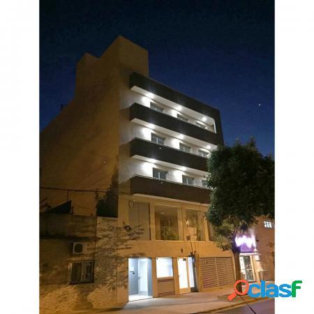 Dos dormitorios a estrenar - balcón al frente - entrega inmediata - catamarca 3500