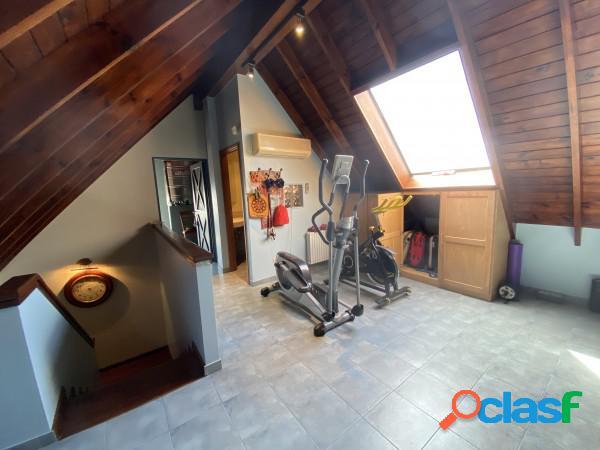 Elegante Chalet de 7 Ambientes en Haedo Chico! Lote 600 m² 1