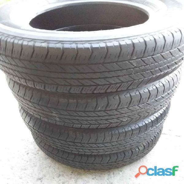 Lote de neumáticos usados para camionetas alta gama en Moreno / Paso del Rey 1