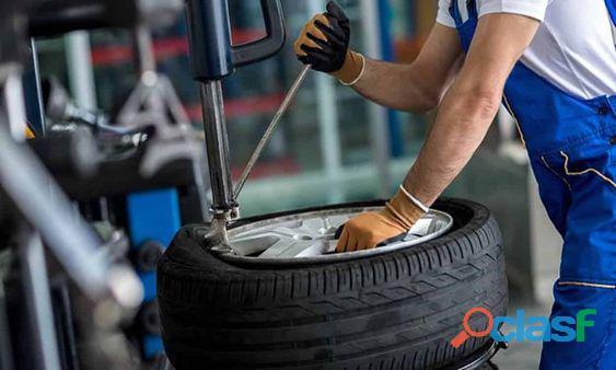 Lote de neumáticos usados para camionetas alta gama en Moreno / Paso del Rey 2