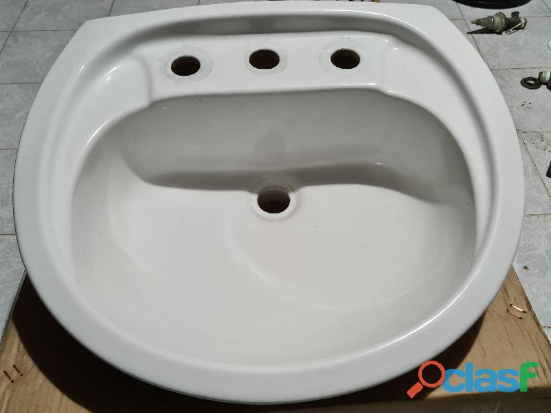 Vendo bacha lavatorio de colgar de loza con 3 agujeros