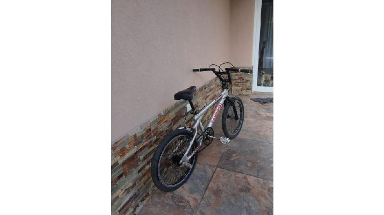 Benta de bicicleta BMX
