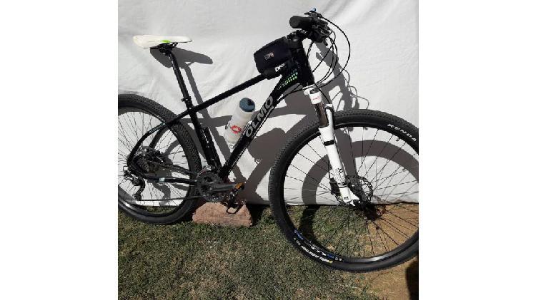 QUEMO URGENTE**** Bicicleta R 29 con Equip. Deore y
