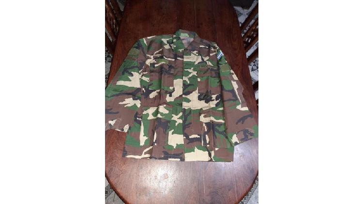 Uniforme camuflado del ejército.