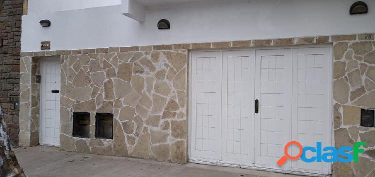 La rioja 2820 | departamento | planta baja | garaje | patio | 3 ambientes