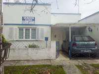 Casa 4 ambientes con garaje y gran parque en venta