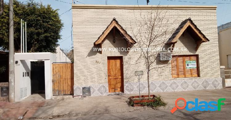 Rafaela - bolivar 367 - barrio 9 de julio - todos los servicios - 195 m2