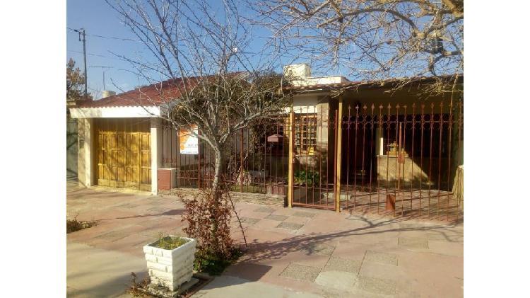Casa en venta – barrio parque drummond – lujan