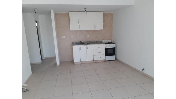 Peralta inmobiliaria alquila departamento en godoy cruz-