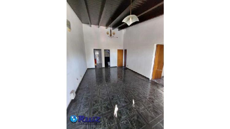 Ruiz inmobiliaria vende departamento