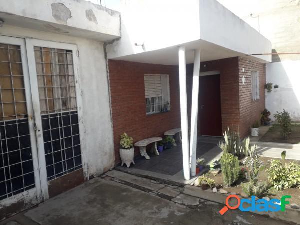 Vendo casa en Bº San Roque a metros Ruta 20 - 4 dor 2 bños 2