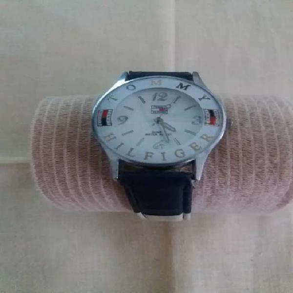 Reloj tommy(no original) mujer