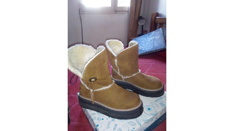 Vendo botas nobuk número 38