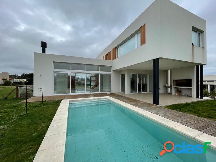 Casa en venta barrio privado rumenco