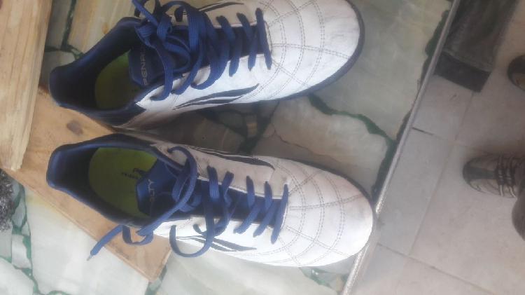 Vendo zapatillas penalti fútbol 5