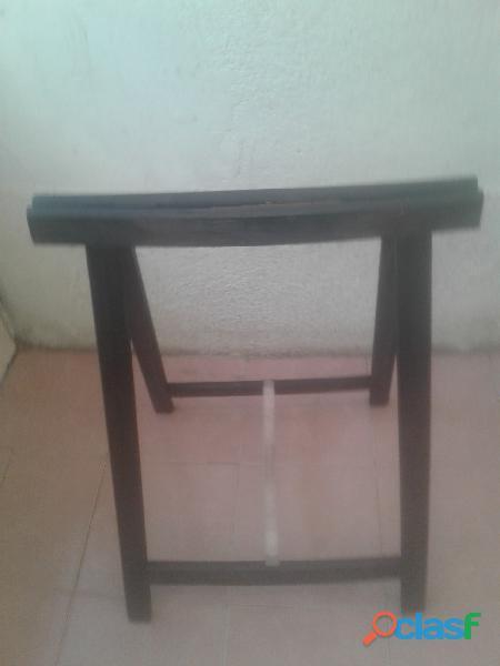Caballete de madera excelente estado Tengo 1 solo De madera/ color negro