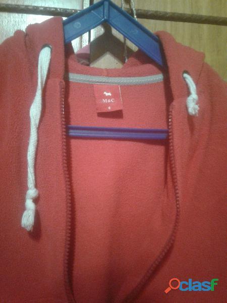 Campera polar con capucha color roja para niños  Marca M y C