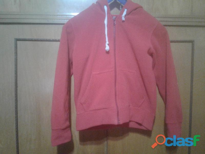 Campera polar con capucha color roja para niños  Marca M y C 2