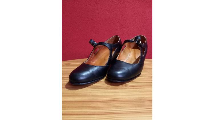 Zapatos para folclore.....flamenco